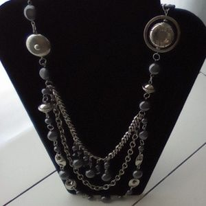 NWT Paparazzi Necklace & Earrings Set.